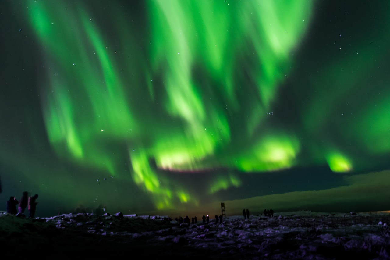 Best spots for northern lights watching in iceland
