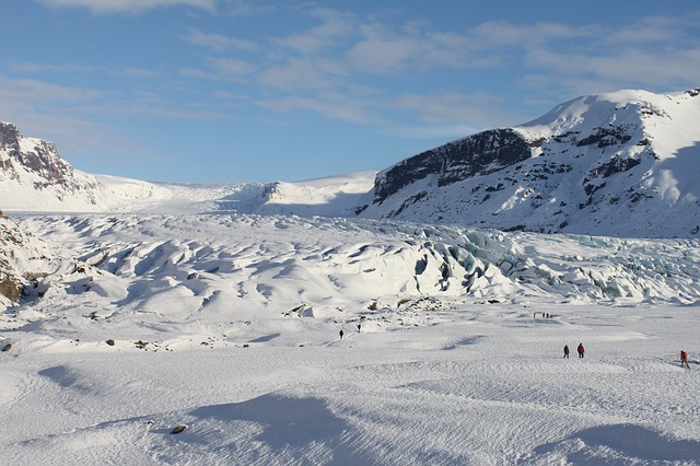 Iceland skiing in the spring